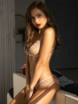 MYRNA - Escort LoveClub Agency | Girl in Istanbul